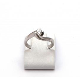 Λευκόχρυσο δαχτυλίδι Κ18 με brilliant  διαμάντι 15.02.003